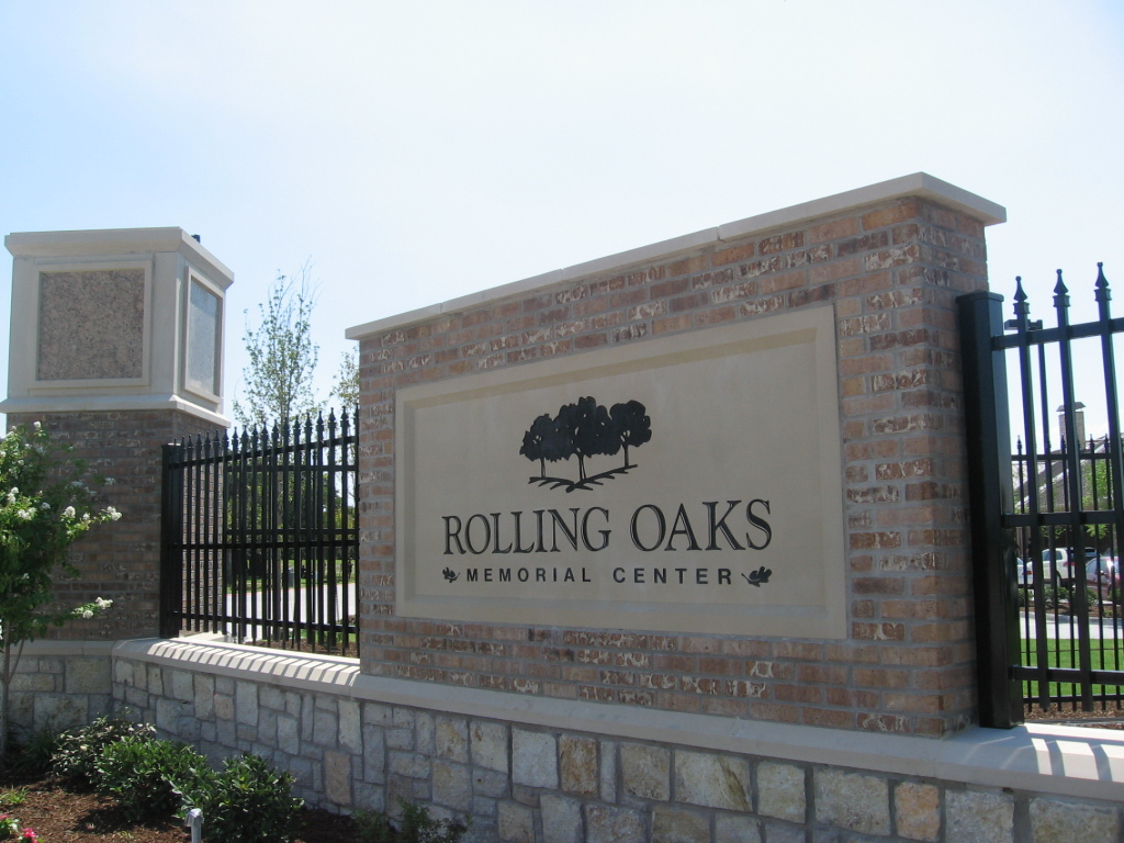 About Rolling Oaks Memorial Center